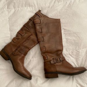 Brown/tan boots